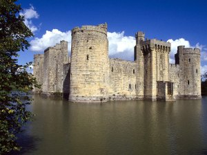 bodiam_castle_and_moat_east_sussex_england